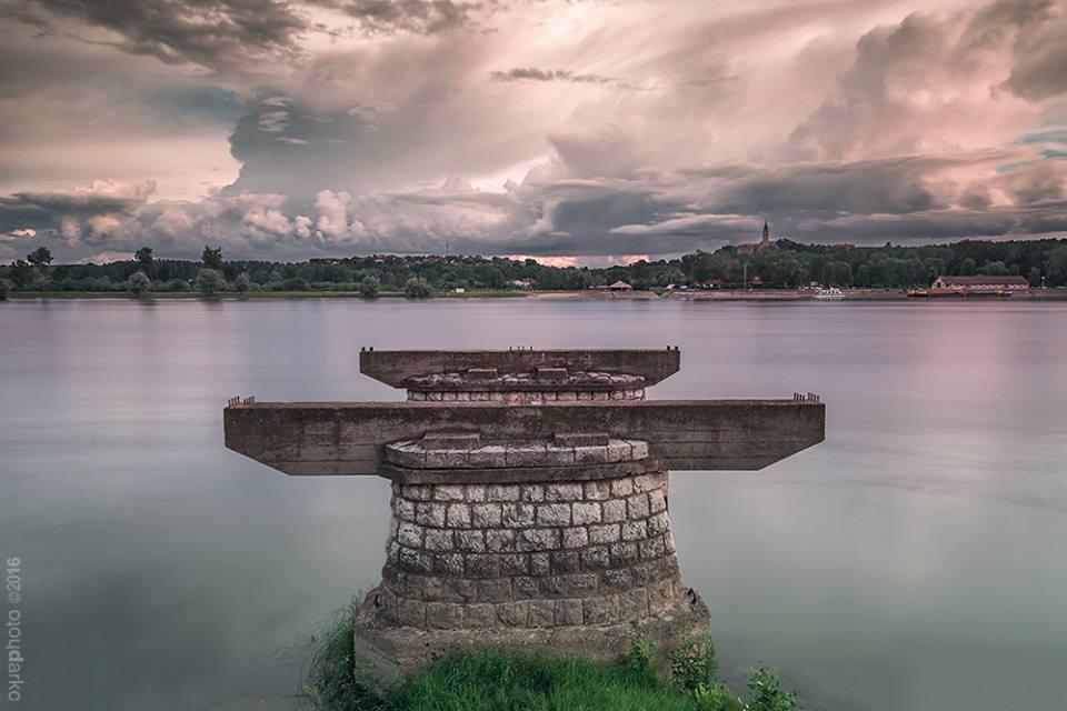 Koja je funkcija stubova na Dunavu?