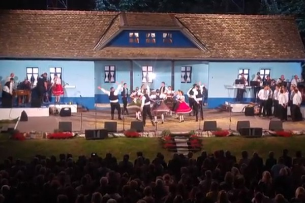 "Zapažen nastup SKUS Pivnice na 47. Festivalu ""Tancuj, tancuj …"" (VIDEO)"