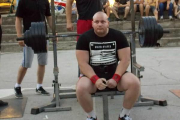 On je najjači u Srbiji – diže bez problema 207 kilograma