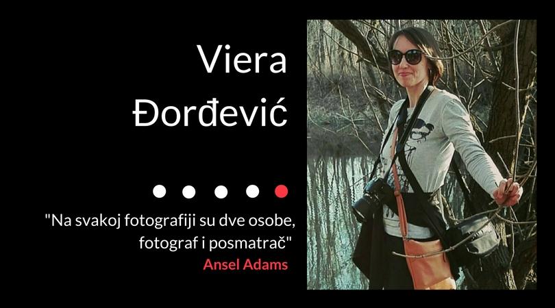 Na svakoj fotografiji su dve osobe, fotograf i posmatrač