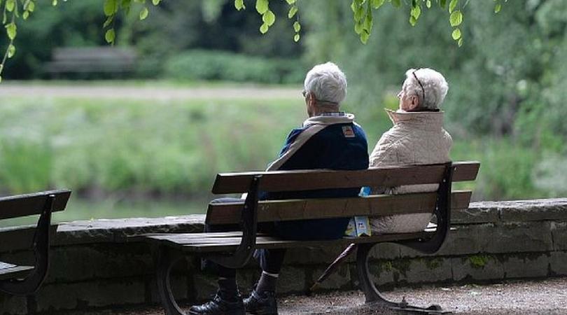 Penzioneri će moći da idu 3 puta nedeljno u šetnju