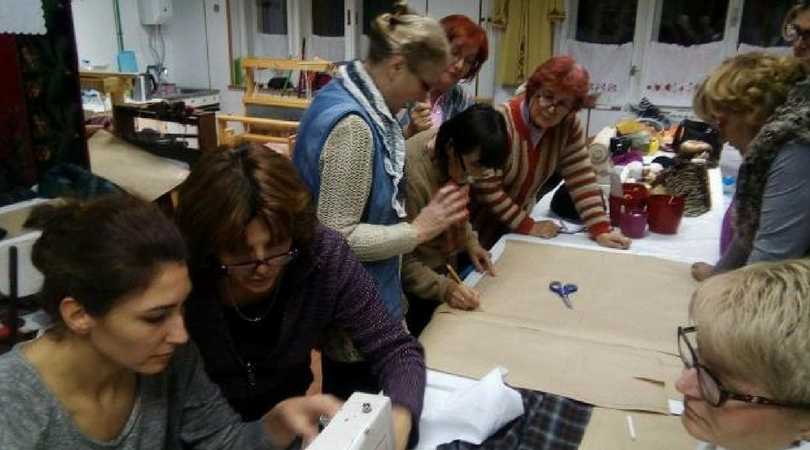 """""""Zlatne ruke"""" obučavaju žene u Bačkoj Palanci"""