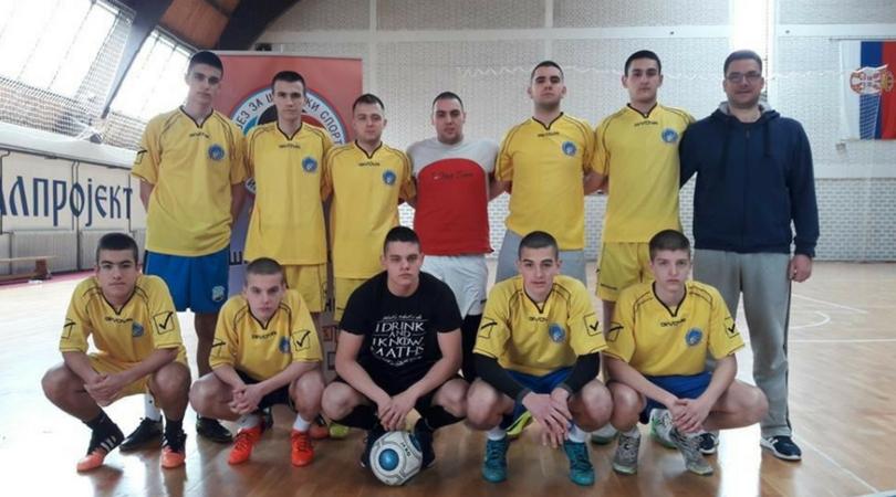 Gimnazijalci pobednici Opštinskog prvenstva u futsalu (FOTO)