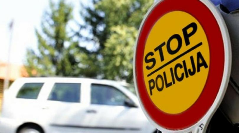 Novosađanin pijan bacao petarde iz auta, naduvao 4,05 promila