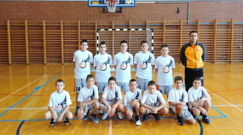 Najmlađi košarkaši Feniksa dobili derbi, juniori i pioniri doževeli poraze