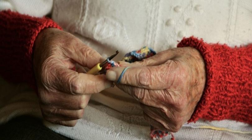 Baka Ljubica ima 102 godine i radi sve paorske poslove