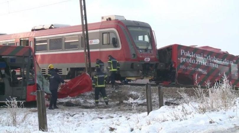 Sudar voza i autobusa kod Niša, petoro poginulo i 27 povređeno