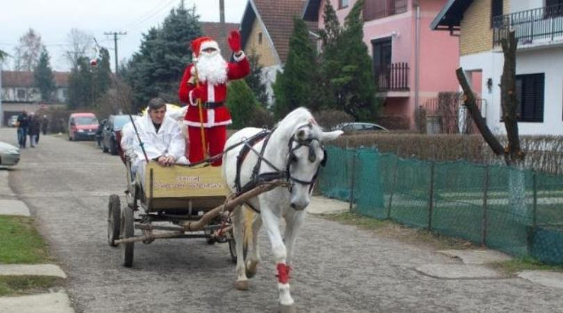 Deda Mraz je u Užičkoj ulici u Bačkoj Palanci