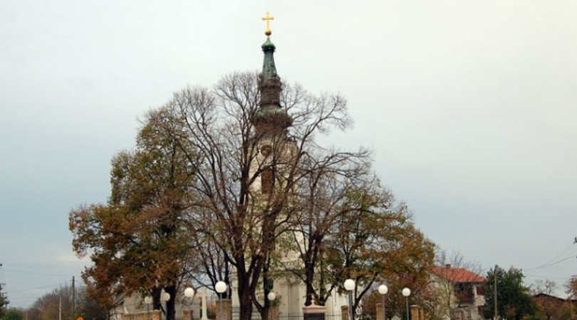 Osvećenje obnovljenog časnog krsta za Svetojovanovski hram u Despotovu