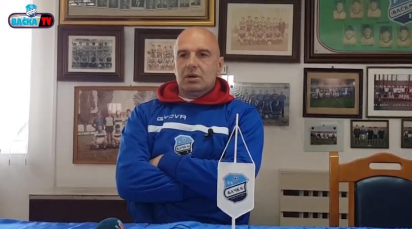Govedarica pred utakmicu Bačka – Crvena zvezda (VIDEO)