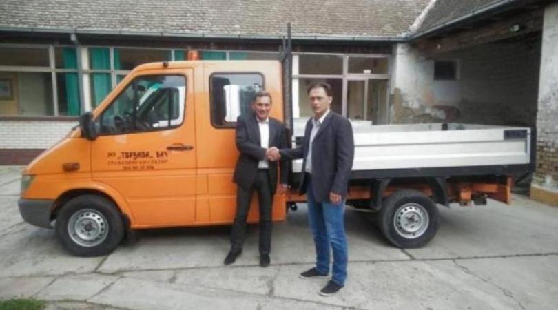 Opština Bač kupila novi kamion putar