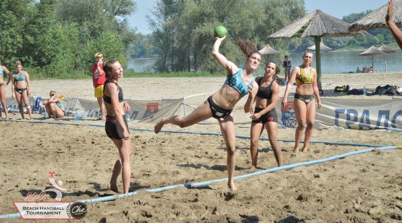 Na Gradskoj plaži odigran sedmi međunarodni turnir rukometa na pesku