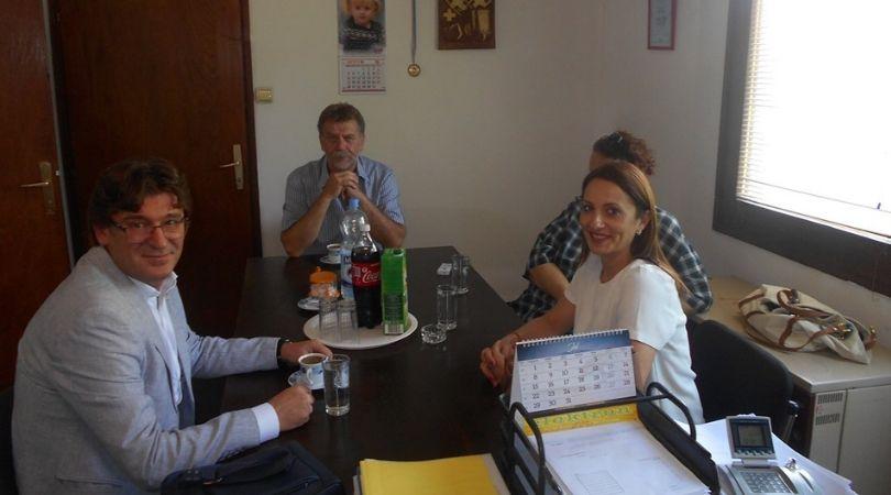 Torbe i školski pribor za sve prvake opštine Bač