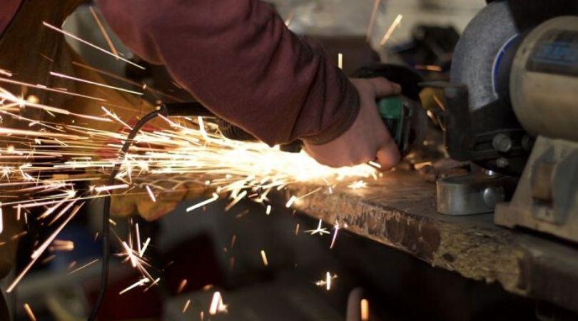 Poslodavci će morati da osiguraju sve zaposlene, novi zakon uskoro pred poslanicima