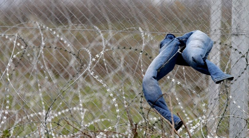 Migranti probili ogradu na Horgošu 2, mađarski policajci pucali