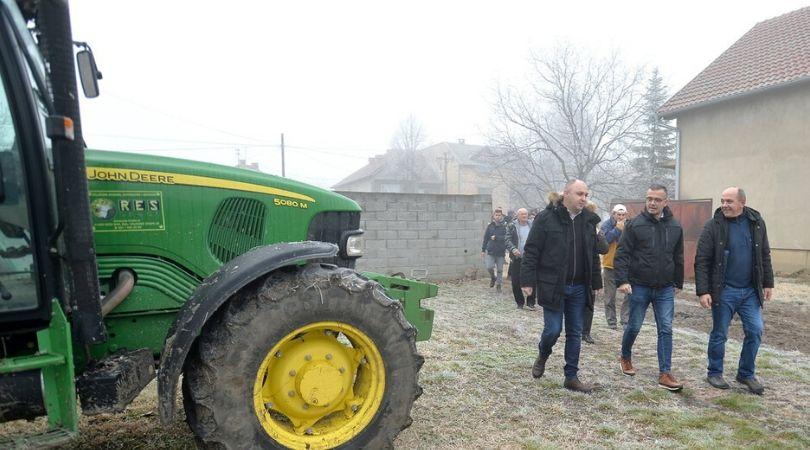 Raspisan konkurs za kupovinu traktora do 60 kW