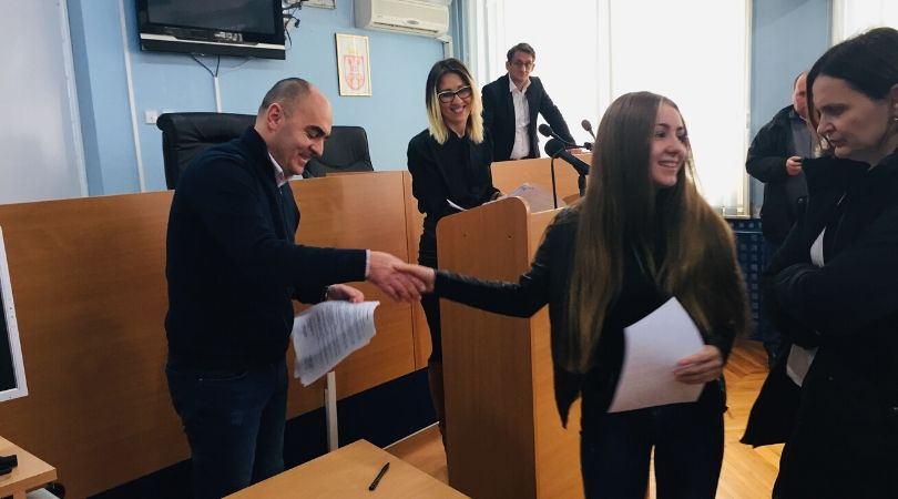 Najbolji učenici i studenti u Bačkoj Palanci dobili stipendije
