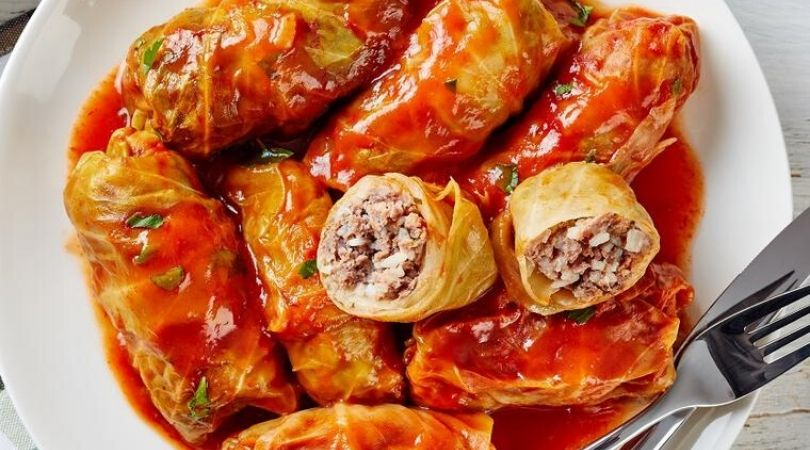 Pečena sarma iz rerne od svežeg kupusa: Recept koji će vas oboriti s nogu!
