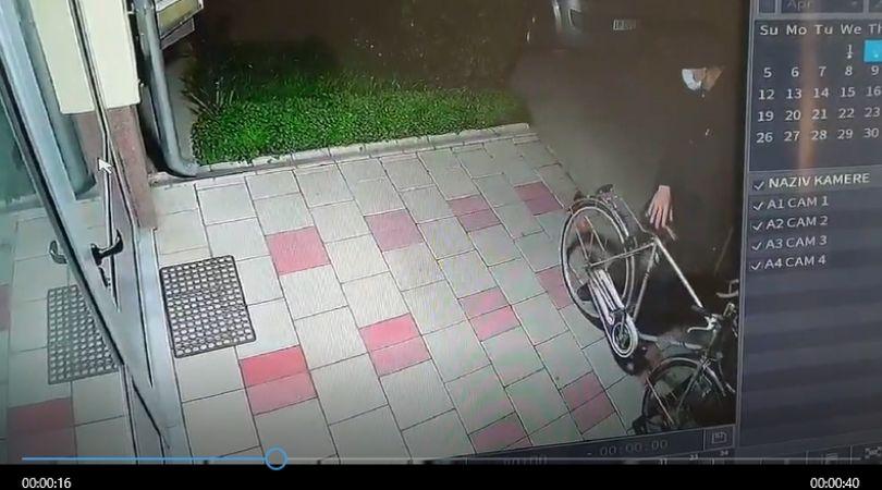 Da li prepoznajete lopova sa snimka?