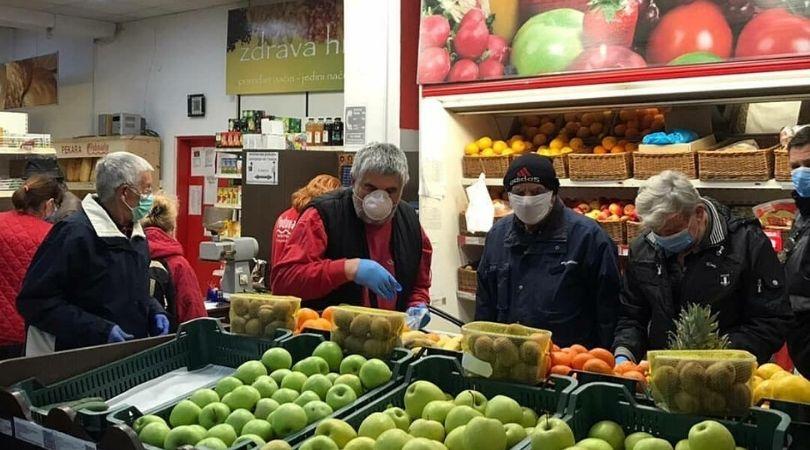 Bačkopalančani stariji od 65 obavili kupovinu od 4 do 7h