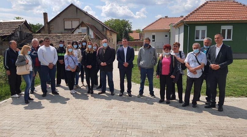 Obilazak stanova za izbegla i raseljena lica u Kulpinu