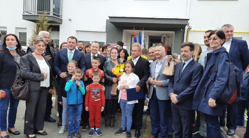 Dodeljeni ključevi stanova za 16 izbegličkih porodica u Bačkoj Palanci