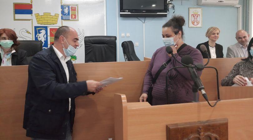 Potpisani ugovori o zakupu stanova za 16 izbegličkih porodica u Bačkoj Palanci
