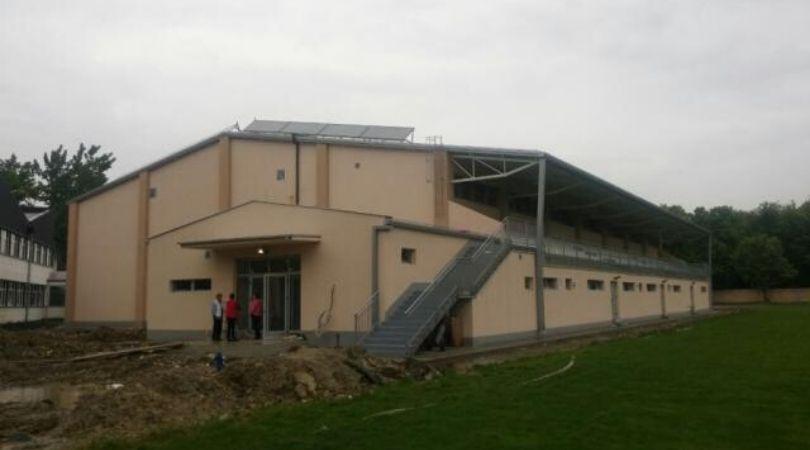Oprema se sportska hala u Gložanu