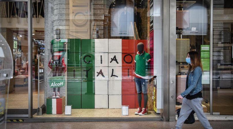 U Italiji pljušte kazne, za poljubac ili zagrljaj 400 evra