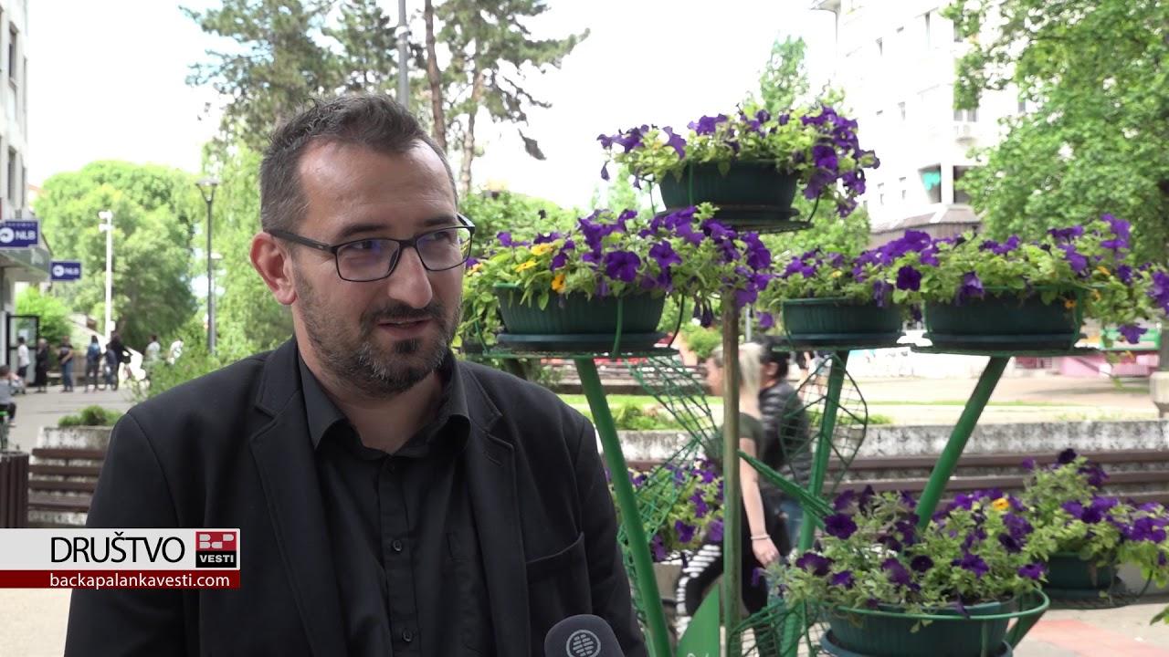 Bira se najlepše dvorište i balkon u opštini Bačka Palanka (VIDEO)